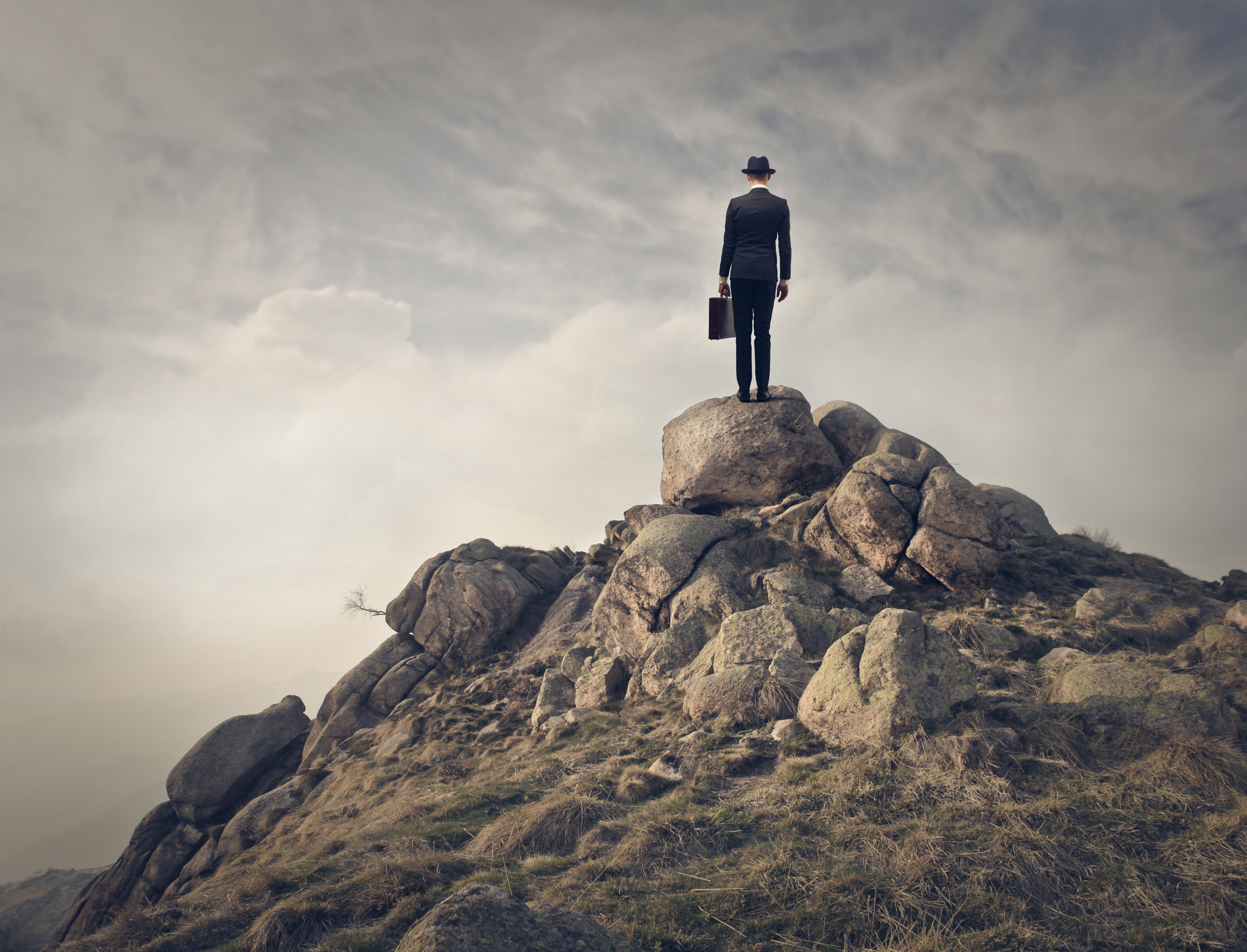 створка, показанная парень картинки на холме предмет для