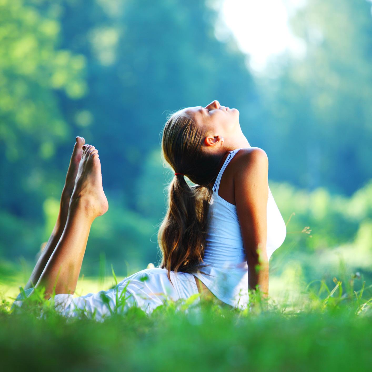 Девушки и женщины дышут своим воздухом и потеют дома  89417