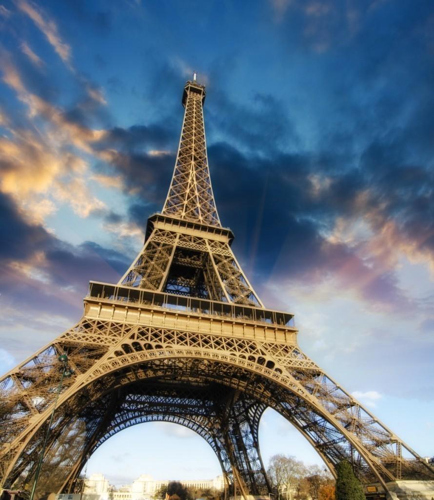 Fotolia 41726079 M 890x1024 Эйфелева башня — Eiffel Tower