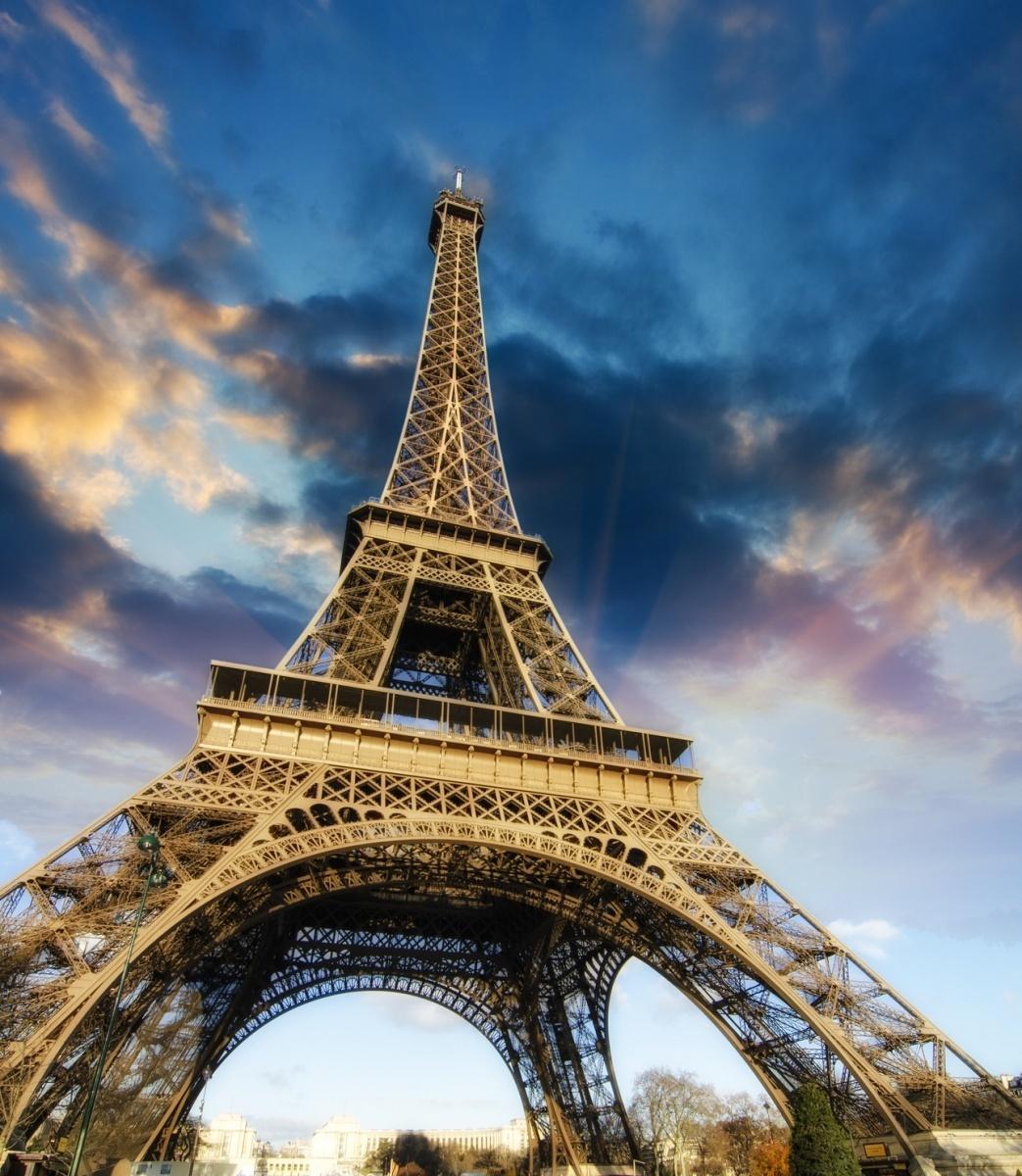 Эйфелева башня — Eiffel Tower