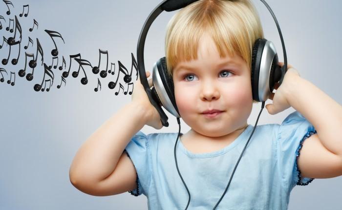 Girlwithheadphones Девочка с наушниками — Girl with headphones