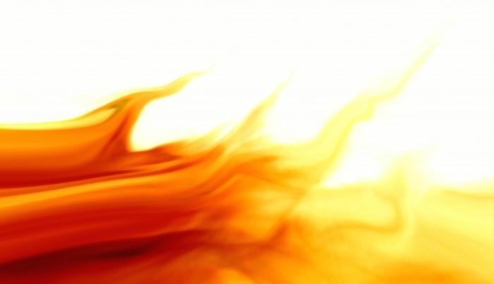Растовый клипарт с изображением пламени огня на белом фоне.
