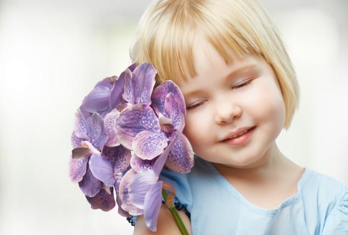 girlwithaflower Девочка с цветком — Girl with a flower