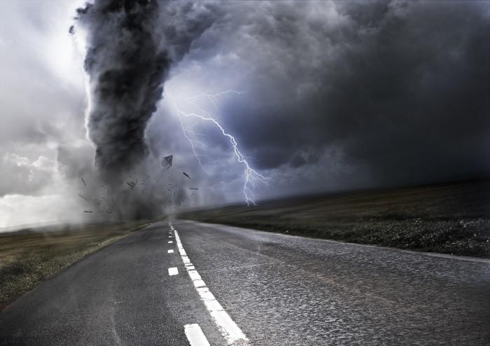 Разрушающий смерч - Destructive tornado