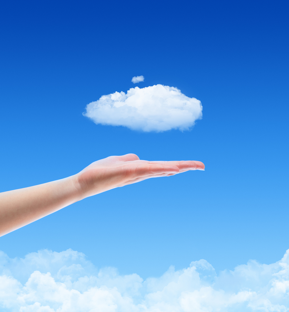 shutterstock 93312031 Облако в ладоне   Cloud in the palm of your hand
