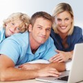 Семья за ноутбуком - Family at laptop