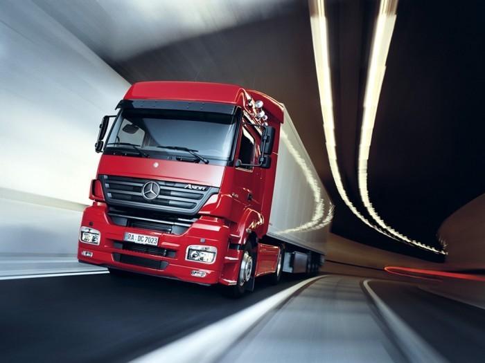 man tgx hintergr nde fahrzeuge transport heavy truck 220765 Красный грузовик в тоннеле   Red truck in the tunnel