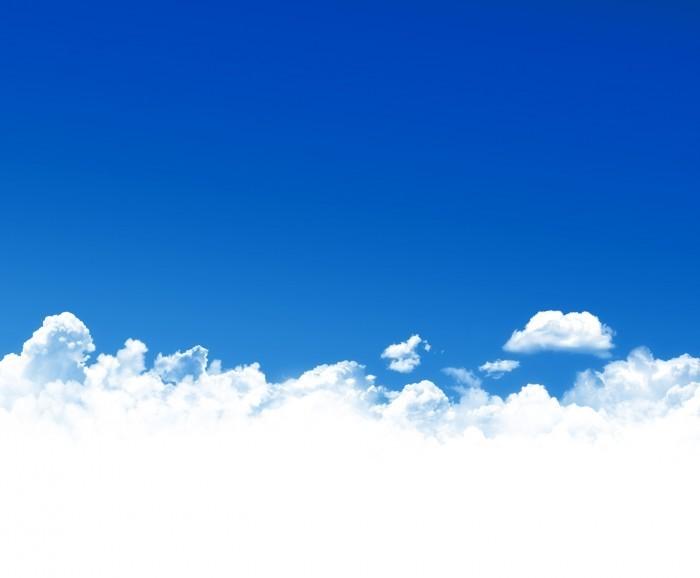Видеохит посадка самолета сквозь густые облака бьет рекорды