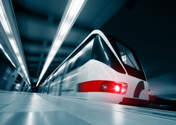 029 Скорый поезд в тоннеле   Fast train in the tunnel