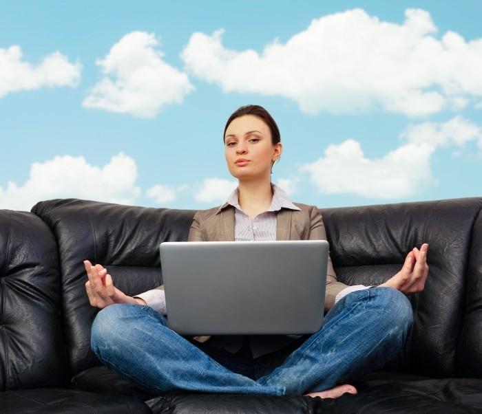 5880038047 8cb26c150d o Женщина медитирует перед ноутбуком   Woman meditating in front of a laptop