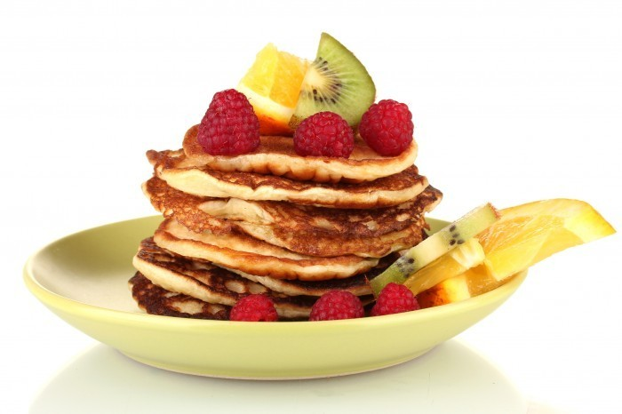 Fotolia 46004274 Subscription L Оладушки с фруктами   Pancakes with fruit
