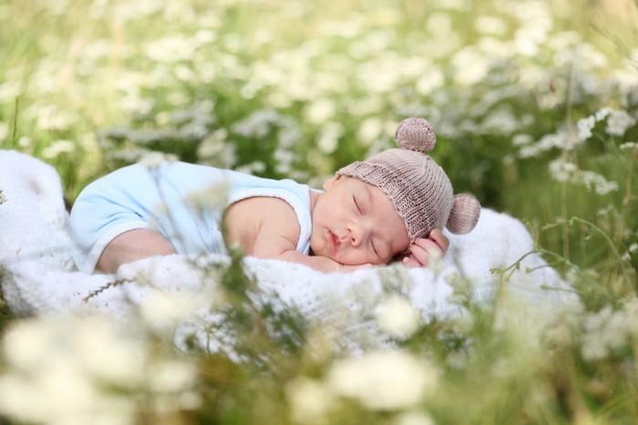 firestock baby 09092013 Ребеночек спит на природе   Вaby sleeps outdoors