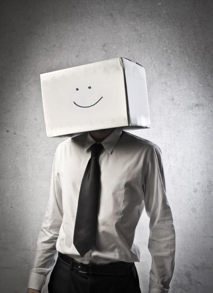 p 1534 700x963 Мужчина с коробкой на голове   Мan with a box on his heade