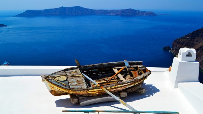 shutterstock 112619633 Лодка на фоне моря   Boat on the background of the sea