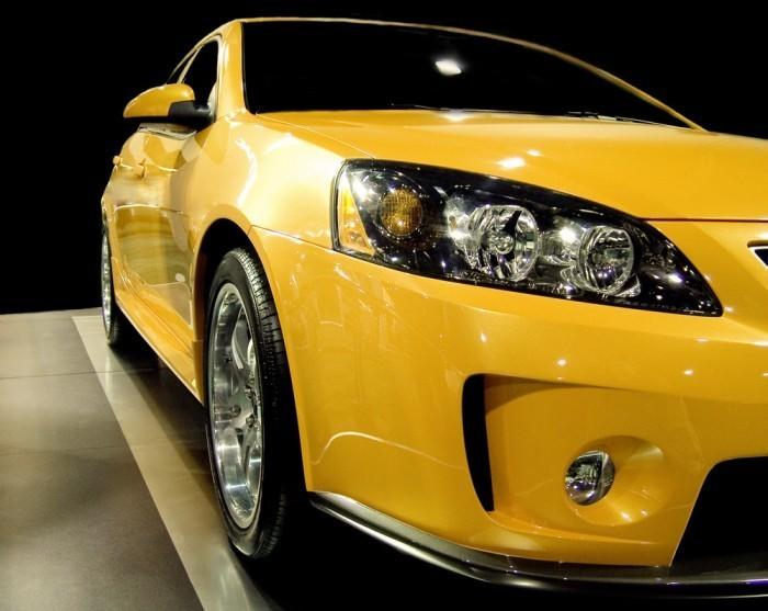 shutterstock 136295 Желтое авто   Yellow car