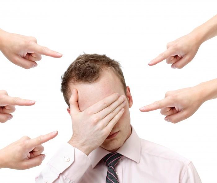 shutterstock 88174213 Вокруг уставшего мужчины указательные пальцы   Around the weary men forefingers