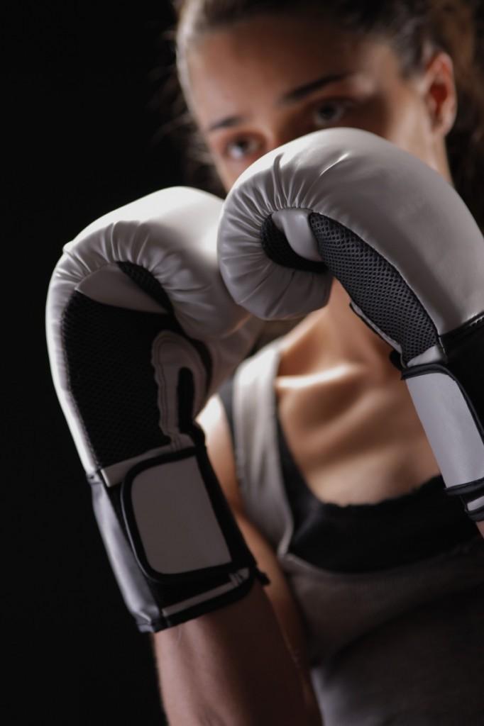 firestock box 11102013 682x1024 Девушка в боксерских перчатках   Girl in boxing gloves