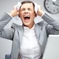 Офисный работник в панике - Office worker in a panic