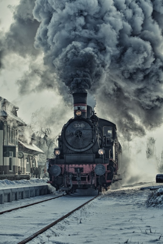 firestock oldtrain 02102013 682x1024 Старый паровоз   Old steam locomotive