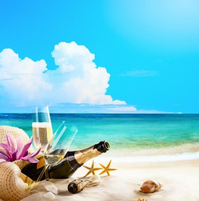 firestock sand 11102013 700x707 Шампанское на берегу моря   Champagne on the beach