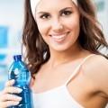 Спотривная девушка с водой - Athletic girl with water