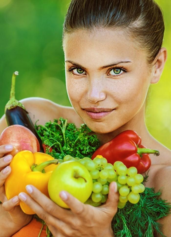 woman vegetabels 11102013 700x968 Овощной сезон   Vegetable season