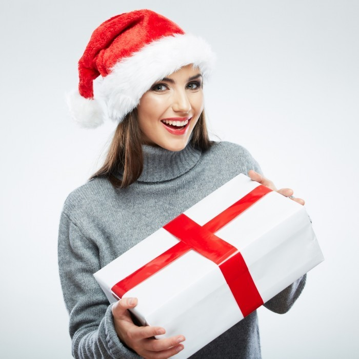 firestock 2711201316 700x700 Снегурочка с подарком   Maiden with a gift