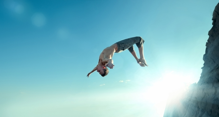 shutterstock 102454133 Парень в прыжке на фоне неба   Man jumping on sky background