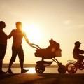 Семья с коляской - Family with sidecar