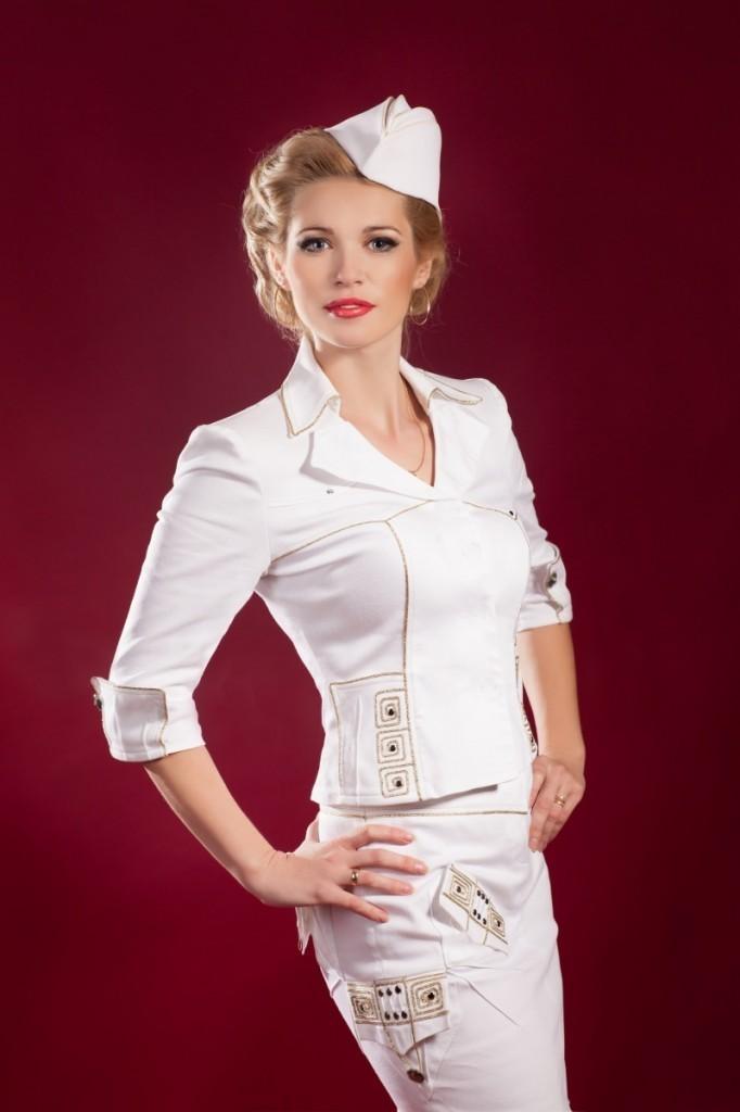 shutterstock 129865145 682x1024 Девушка в форме стюардессы   Girl in the form of flight attendants