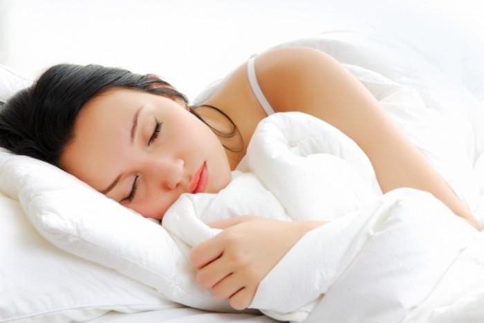 1344612760 1339260430 acariens valua vitaly fotolia 700x468 Спящая девушка   Sleeping Girl