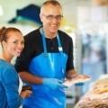 Счастливые продавец и покупатель - Happy buyer and seller