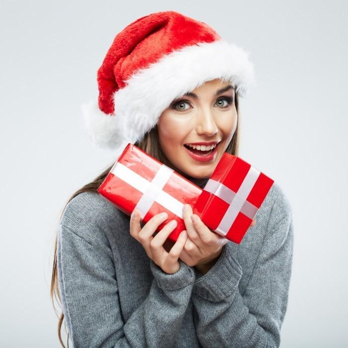 firestock 2711201315 700x700 Девушка с подарочками   Girl with gifts