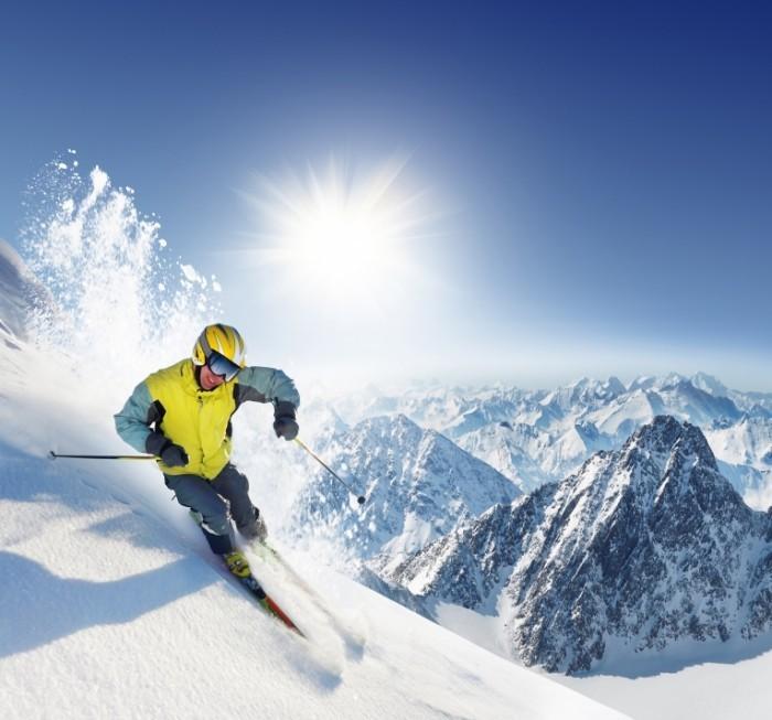 shutterstock 12166765 700x653 Лыжник в горах   Skier in the mountains