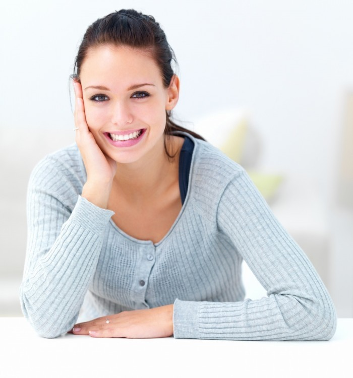 shutterstock 20292559 700x750 Девушка с улыбкой   Girl with a smile