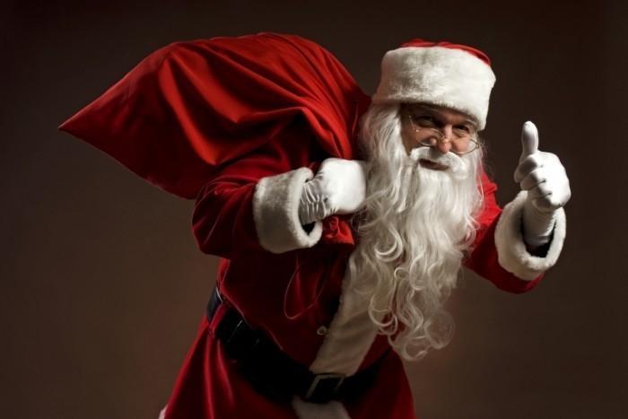 shutterstock 21162055 700x467 Санта с мешком   Santa with bag