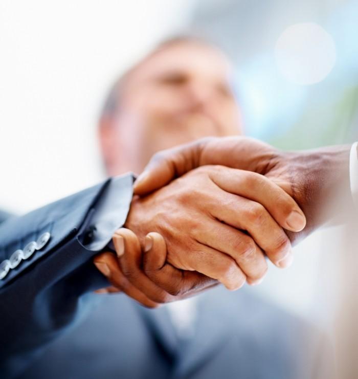 shutterstock 30670783 700x741 Рукопожатие   Handshake