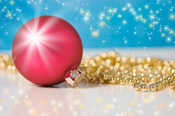 shutterstock 90838547 700x465 Новогодний шар   Christmas ball
