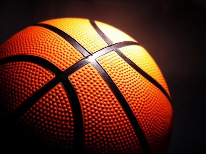 shutterstock 9587473 700x524 Баскетбольный мяч   Basketball