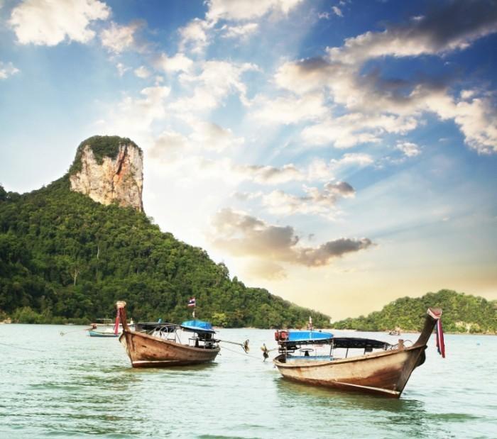 photodune 1485379 700x619 Лодки на воде   Boats on the water