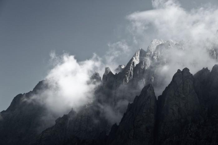 photodune 1642881 700x466 Горы в тумане   Mountains in the mist