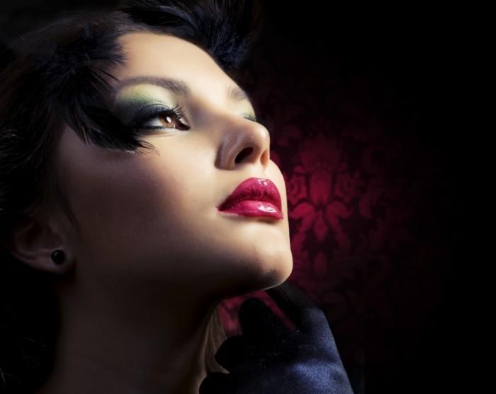 photodune 1847011 700x557 Девушка с вечерним макияжем   Woman with evening make up
