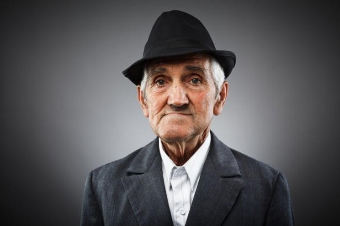 photodune 2431813 700x466 Старик   Old man