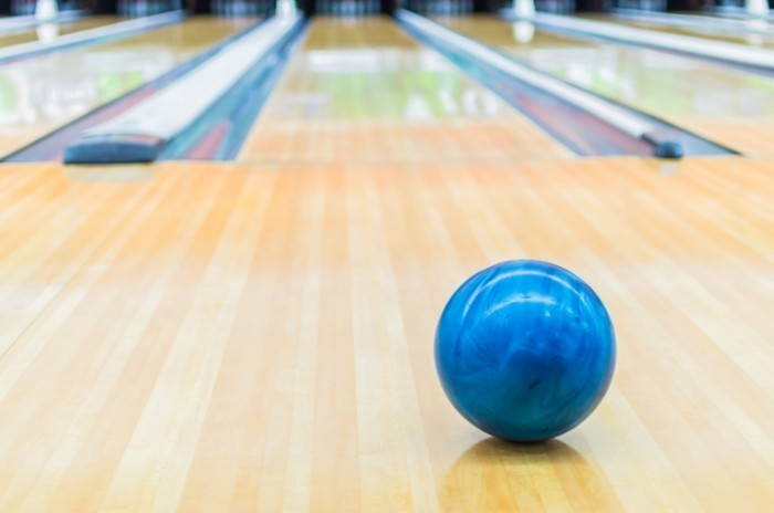 photodune 5304681 700x464 Мяч для боулинга   Bowling ball
