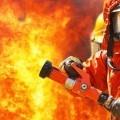 Пожарник с огнетушителем - Firefighter with a fire extinguisher