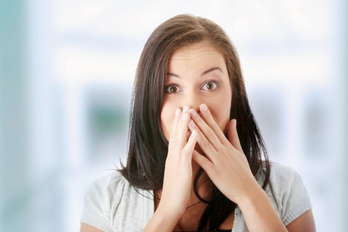 shutterstock 55120513 700x466 Удивленная девушка   Surprised girl