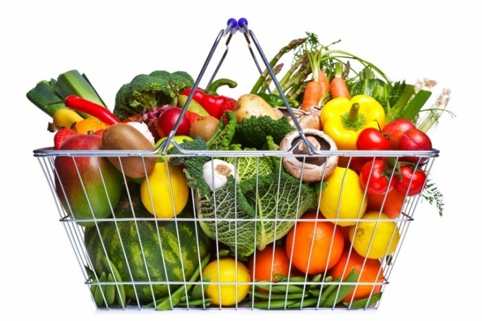 photodune 1106246 700x466 Корзина овощей и фруктов   Basket of vegetables and fruits