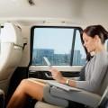 Бизнес леди в салоне авто - Business lady inside the car