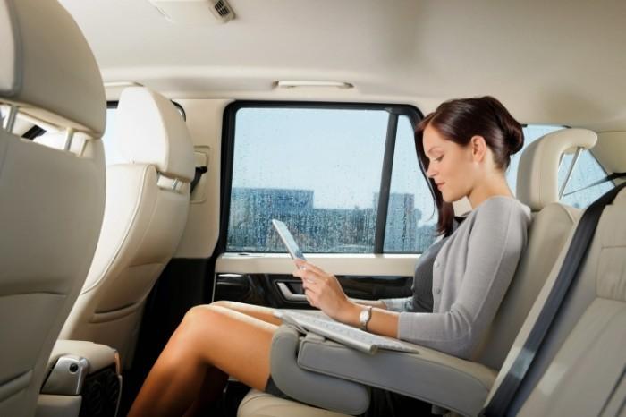photodune 1296998 700x466 Бизнес леди в салоне авто   Business lady inside the car