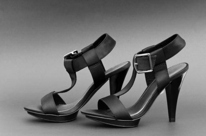 photodune 2121660 700x463 Женские босоножки   Womens sandals
